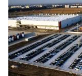 提高产量!特斯拉上海工厂停车场停满全新Model 3