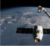 SpaceX飞船抵达国际空间站 送去2个机器人旅馆