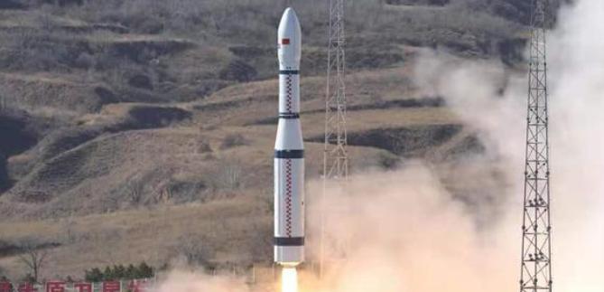 中国长征六号火箭成功发射升空 长征系列运载火箭的第351次飞行